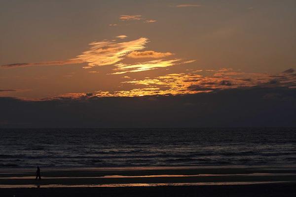 Sunset-at-Zandvoort-Circuit-theo-de-by
